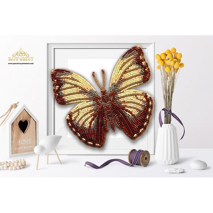 Пластиковая перфорированная основа БЛАГОВЕСТ арт.БС-120 3-D Бабочка. Cymothoe jodutta 10х12 см