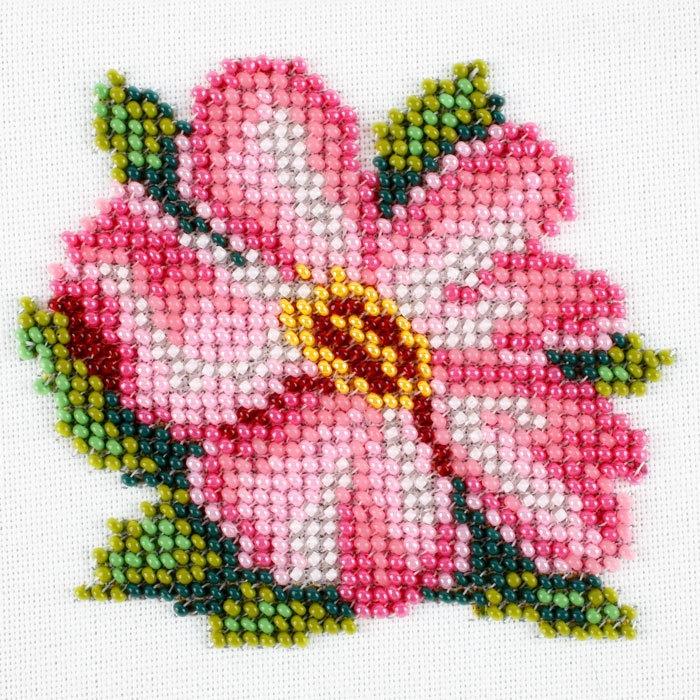 Набор для вышивания бисером LOUISE арт. L428 Цветок шиповника 11х11 см