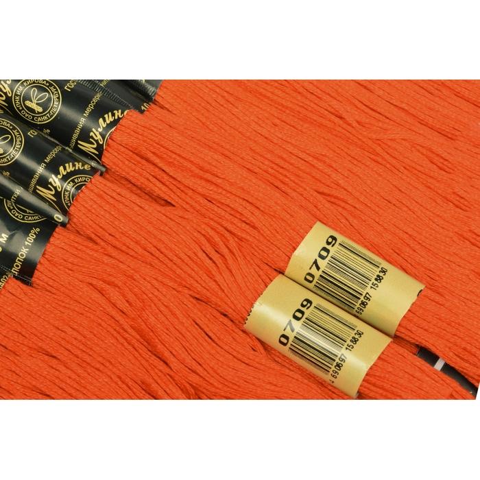 Нитки мулине цв.0709 яр.оранжевый 12х10м С-Пб